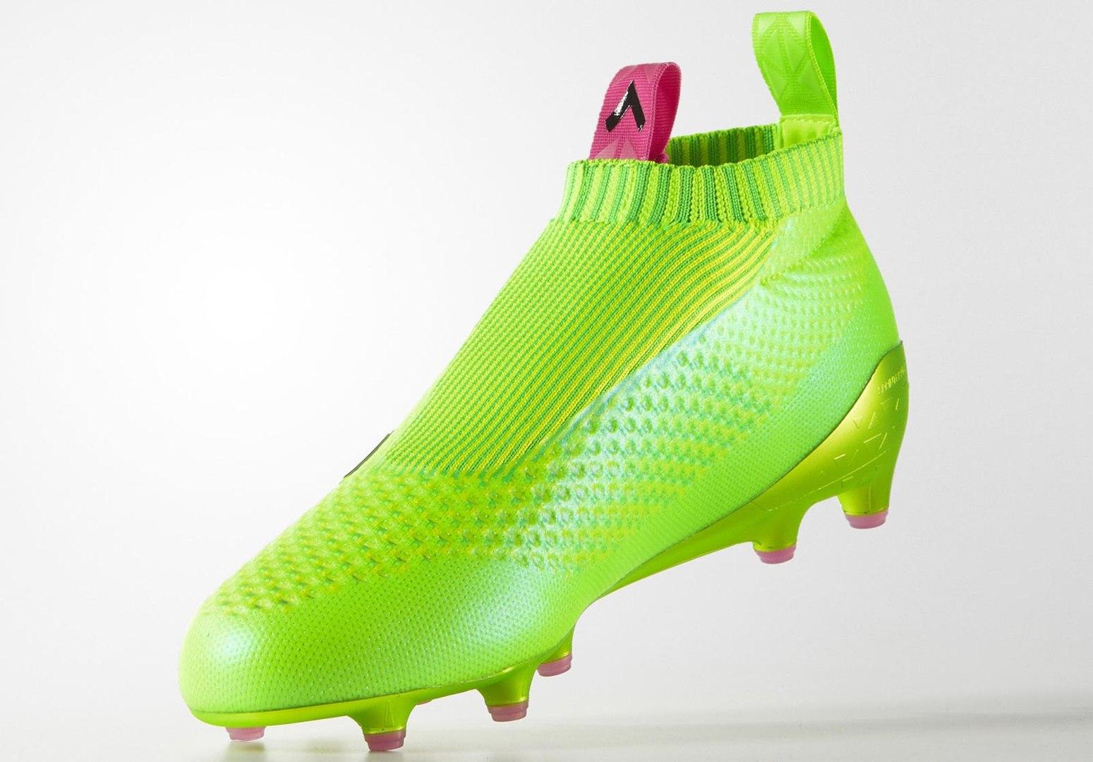 Les crampons sans lacets d'Adidas