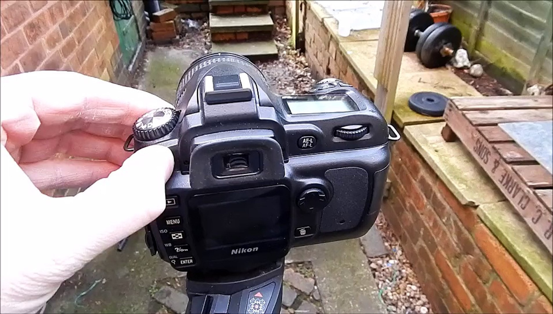 Nikon D50 shutter speed sound continuous burst mode