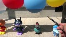 Trò chơi chọc bóng bay có nhiều điều bất ngờ xảy ra đối với các chú búp bê