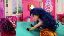 Mal & Ben True Love's Kiss after Spell on Mal. DisneyToysFan