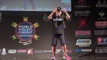 Ce champion de Yoyo de 12 ans manipule 2 yoyos en même temps - Show énorme