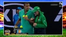 Tsonga raccompagne une ramasseuse de balle en perdition à l'Open d'Australie
