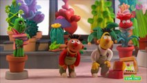 Sesame Street: Bert and Ernie Open a Flower Shop (Bert and Ernie's Great Adventures)