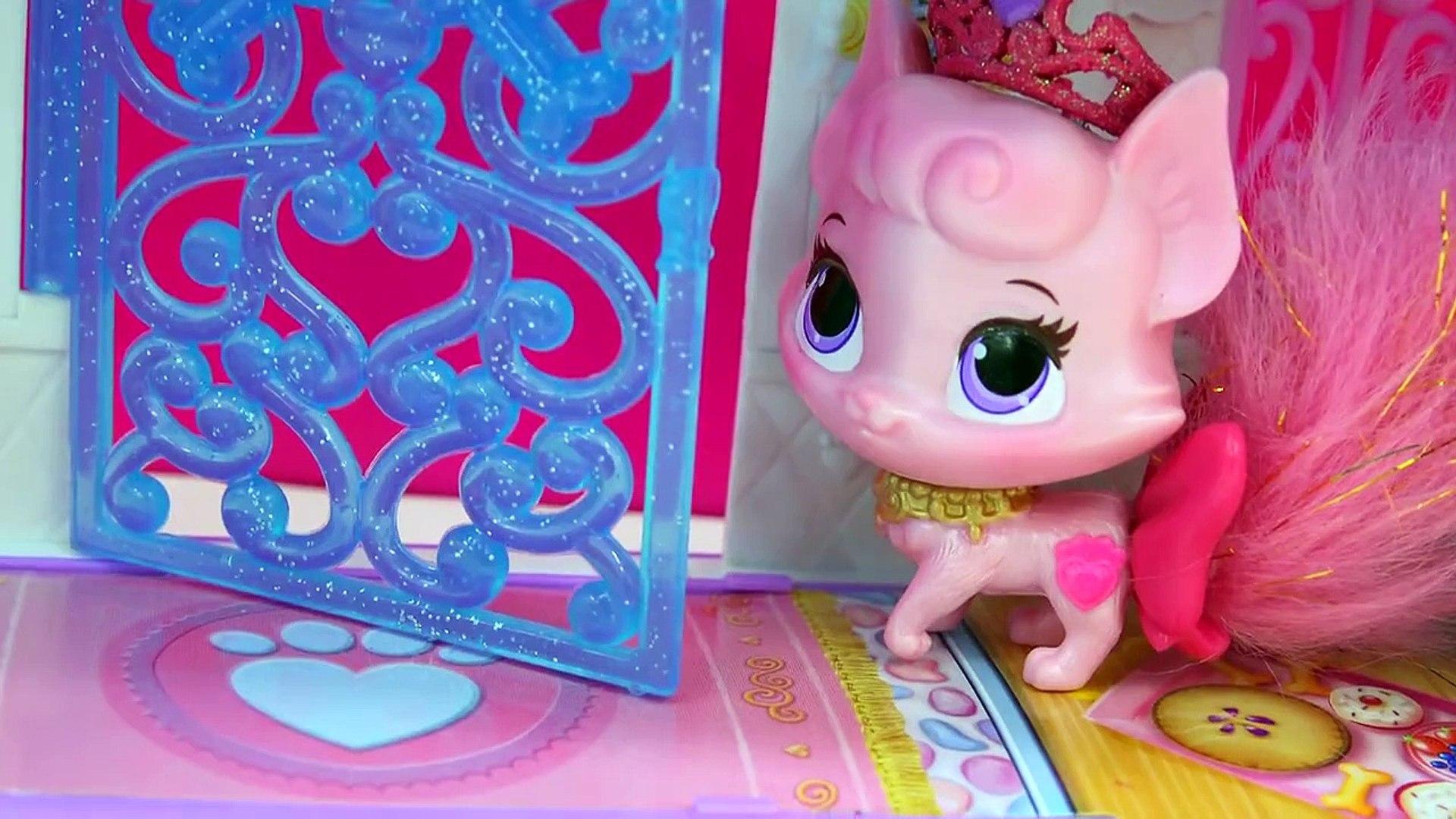 Littlest Pet Shop Glitter Pets Exclusive LPS Set Unboxing at Disney Princess Palace Pets C