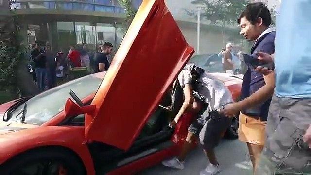 Manobrista de restaurante faz Lamborghini Aventador pegar fogo