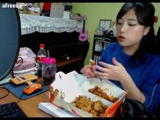 터민 호식이두마리치킨 간장치킨+양념치킨 먹방