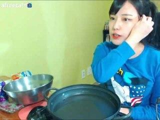 터민 팔도비빔면2개+왕만두 먹방
