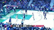 Golden State Warriors vs Milwaukee Bucks - December 12, 2015