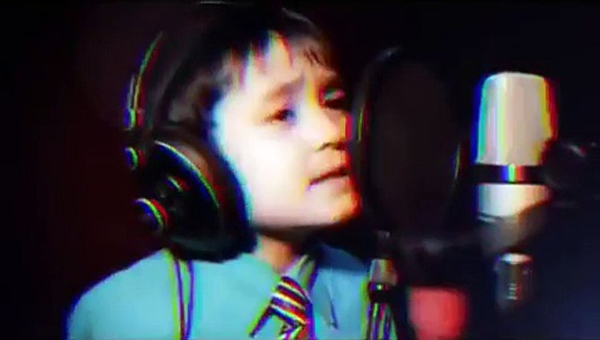 "Amazing 4 Years Old Sings ""I WILL ALWAYS LOVE YOU\"" by Whitney Houston"