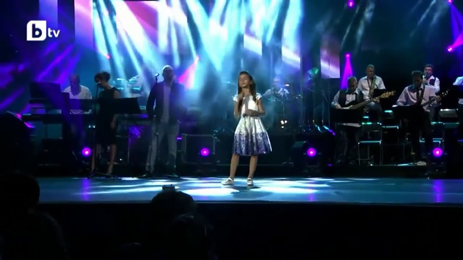 """Real Talent Little Girl (Simona Ivanova) Singing """"THERE YOU'll BE"""" by Faith Hill"""