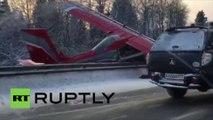 Un avion a atterri en urgence sur une autoroute au nord de Moscou après une panne de moteur