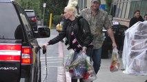 (VIDEO) Gwen Stefani, Blake Shelton Go Grocery Shopping