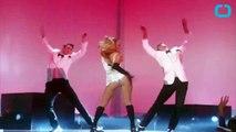 Jennifer Lopez Has Wardrobe Malfunction on Stage!