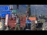 Στο δρόμο και οι αγρότες της Φωκίδας. Διαμαρτυρία με αγροτικά μηχανήματα στην Άμφισσα και αποκλεισμό δρόμων