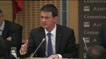 """Constitution : Manuel Valls se défend de tout """"enfumage"""""""