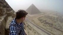 La vidéo du touriste allemand escaladant la pyramide de Gizeh