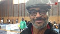 A Grigny, Yannick Noah transmet sa passion du tennis