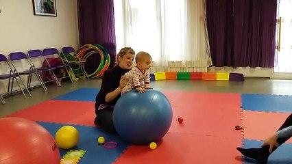 2016-01-26_Vývojové cvičení dětí na míči_B