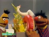 Sesame Street : Bert And Ernie Water Sports