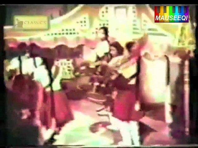 Is Parcham Kay Sayay Talay - Farz Aur Mamta - Original DvD Nayyara Noor Vol. 1