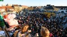 Saint Pol sur Mer: lancé de peluches au carnaval enfantin 2016.