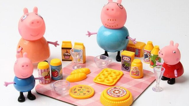 Peppa Pig George Pig na da Familia Voltas As Classrooms Jogando Bowling Peppa Pig Deluxe Kitchen Toy Baking with Mommy + Disney Frozen Deluxe Kitchen Toy Surprise Play Doh surprise eggs toy  barbie - Pig George e Peppa Pig Play Doh Alphabet