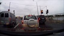 Reckless driver in a Bentley nearly causes accident