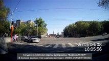 Lada VS Lada at intersection - Лада VS Лада на пересечении