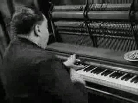 Fats Waller-Ain't Misbehaving-1943