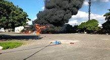 Incêndio de grandes proporções dentro de transportadora em Betim