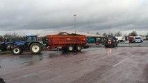 Arrivée des tracteurs aux Ronchettes