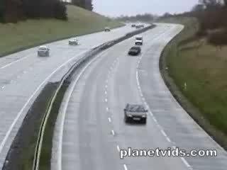 Accident de voiture peu banale !!!