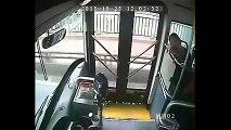 Kahraman Otobüs Şoförü Kızın Hayatını Kurtardı.. Yok Böyle B