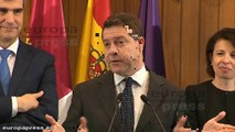 """García-Page bromea: """"Como podemos, no, como podamos"""""""