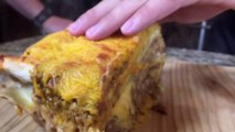 Cuisiner des lasagnes avec des burritos de chez Taco Bell... Gras!
