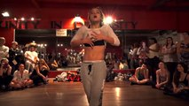 Jade Chynoweth danse sur Baby One More Time