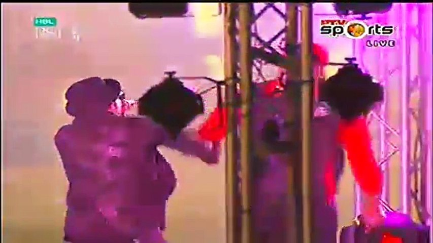 PSL 2016- Chris Gayle Dance with Sean Paul on Opening Ceremony