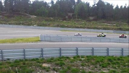 motoGP- motorsiklet yarışları-doğa ile iç içe bir pist