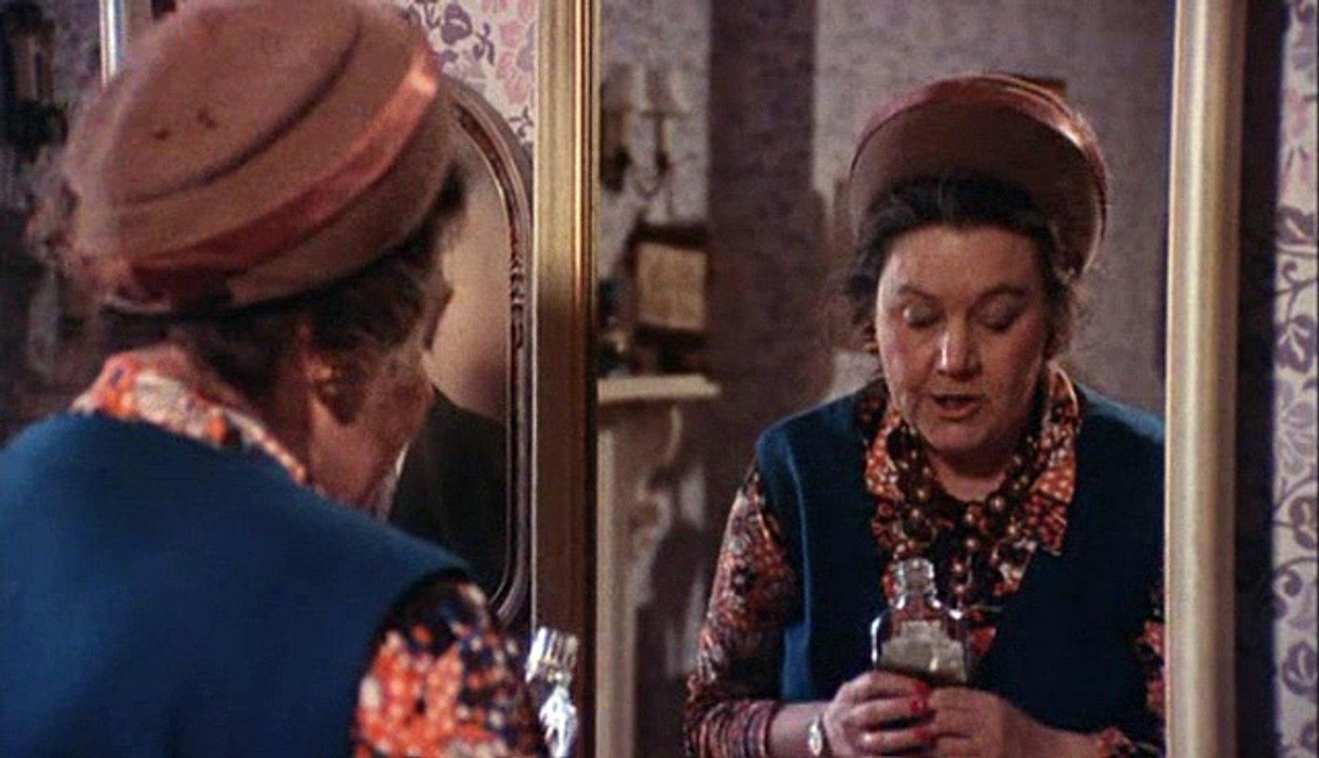 Black Christmas 1974.Black Christmas 1974 Olivia Hussey Keir Dullea Margot Kidder Feature Horror Mystery Thriller