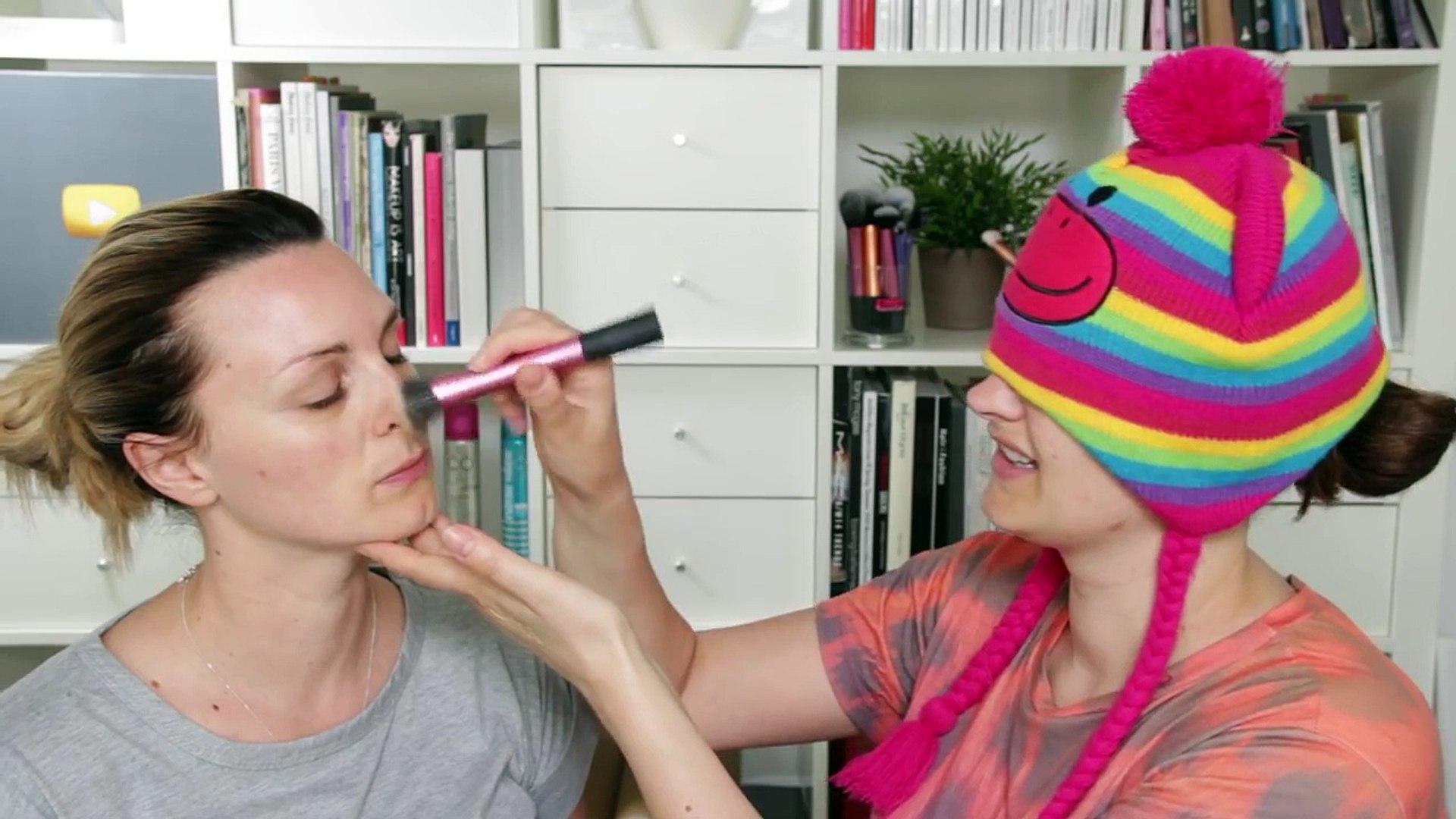 Sams Blindfold Makeup Challenge #KylieJenner