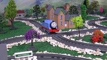 Thomas and Friends Toys R Us Snowy Spencer races Snowy Gordon | Juguetes de Thomas Y Sus A
