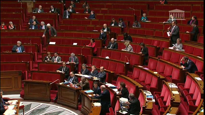 Pierre-Alain Muet - La déchéance de nationalité n'a pas sa place dans la constitution