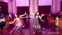 Pakistani Girls Dance In Marriage Hall   Munni Badnam Hui