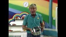 Rainbow Cake | Making a Zippy Rainbow Cake | Rainbow Childrens TV Show