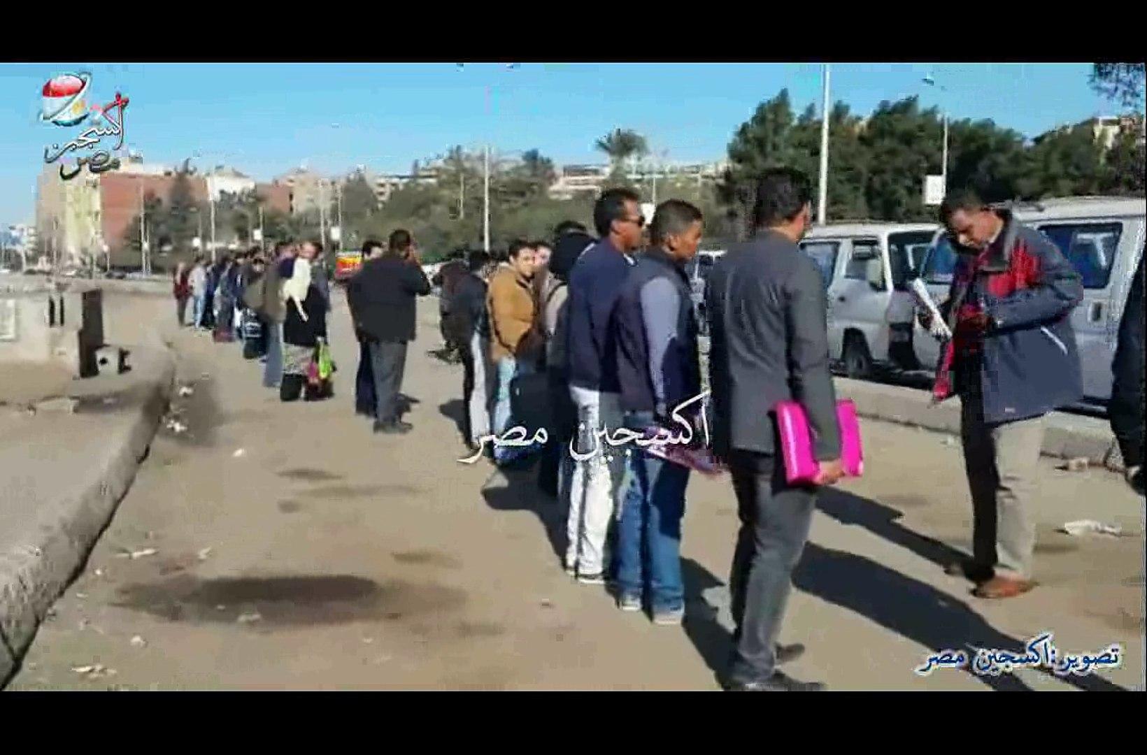 اجمل  طابور لانتظار الميكروباصات في مصر
