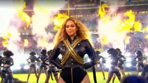 "Beyonce : ""Formation / Uptown Funk"" Super Bowl 2016 with Bruno Mars"