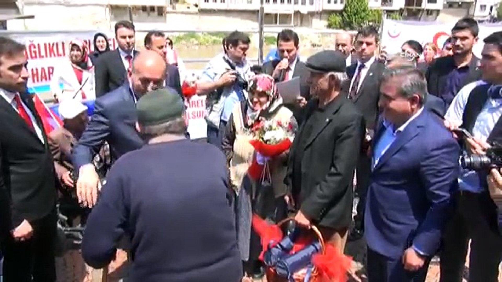 Yaşlı vatandaştan Sağlık Bakanı'na: Emekliler aç duruyor aç!