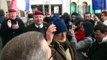 Après la manifestation de PEGIDA à Calais: comité de soutien du général Piquemal devant le TGI de Boulogne-sur-Mer
