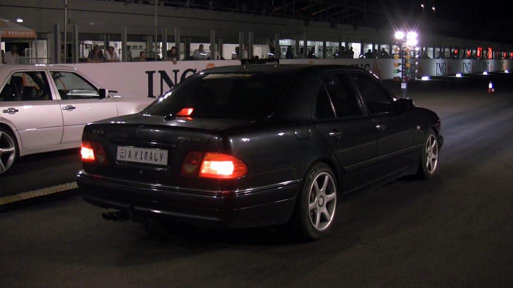 Mercedes E50 AMG Vs. Mercedes E500