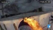 NO COMMENT! Un rus își dă foc și se aruncă de la etajul nouă al unui bloc (VIDEO +18)